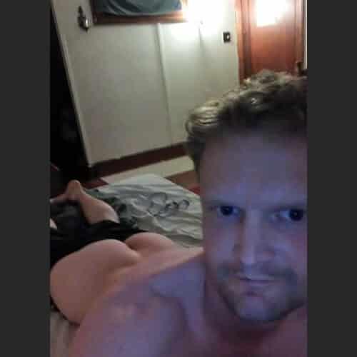 Lübecker Gay Boy, bereit für Spermaspielchen
