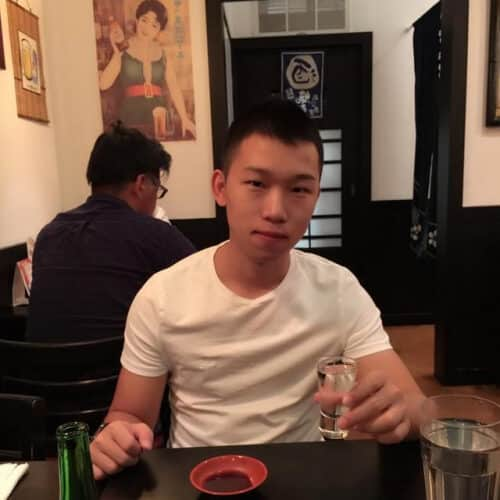 Kleiner Asian Toyboy, bin für alles gut
